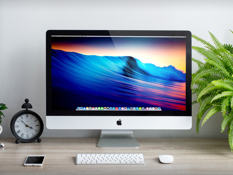 iMac on Desk Mockup PSD