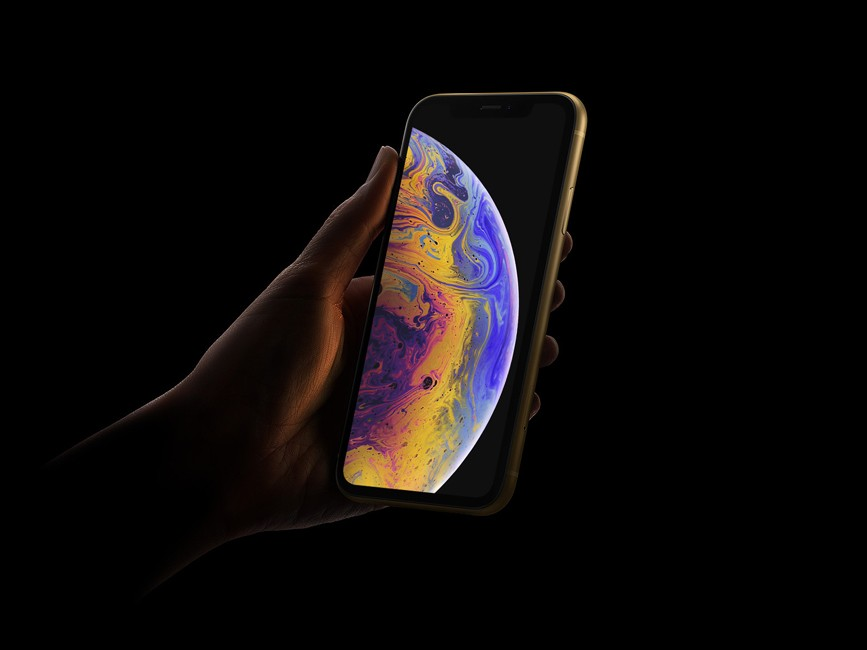 iPhone Xr in Hand Mockup